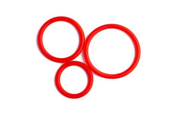 Tři erekční kroužky červené