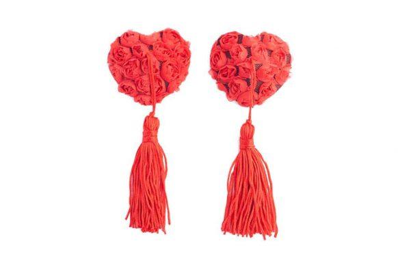 Červené krajkové nálepky na bradavky ve tvaru srdce